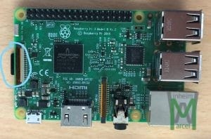 RaspberryPi 3 microSD Karte markiert von oben